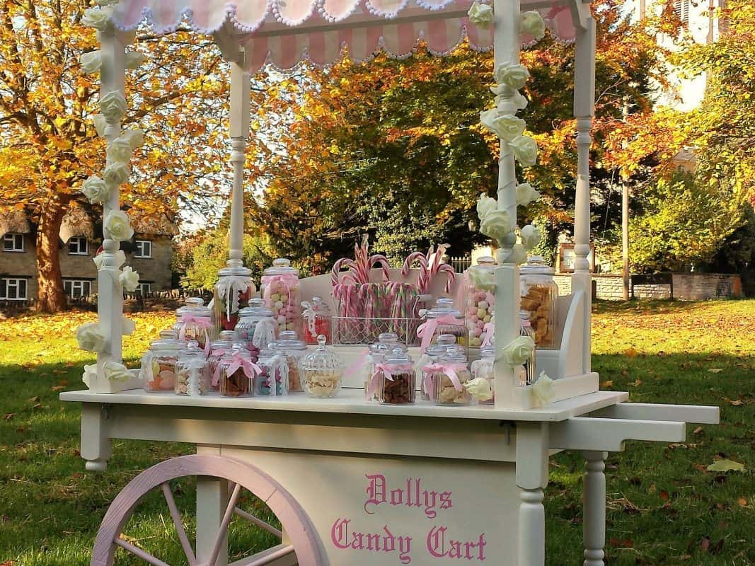 dollys candy cart hire 4:3